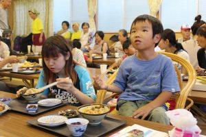 東京みらい・子ども食堂 多世代食堂に野菜を無償提供③